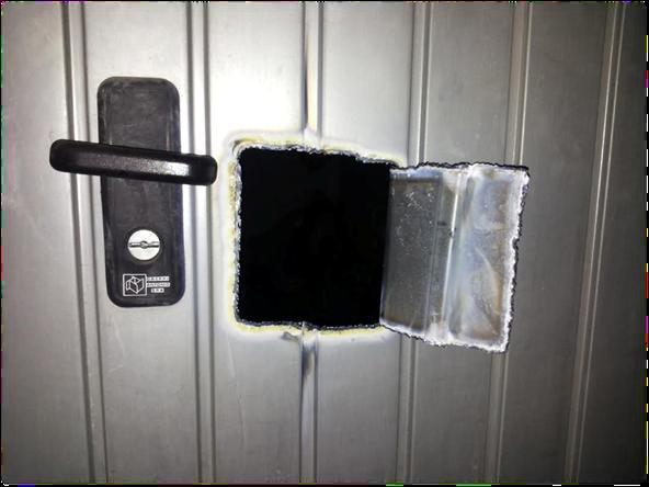 Problemi di sicurezza in generale blog parcocertosa - Serratura porta basculante garage ...
